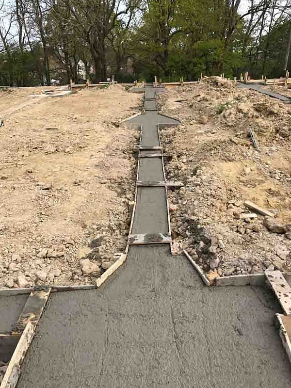 In the ground ground beams